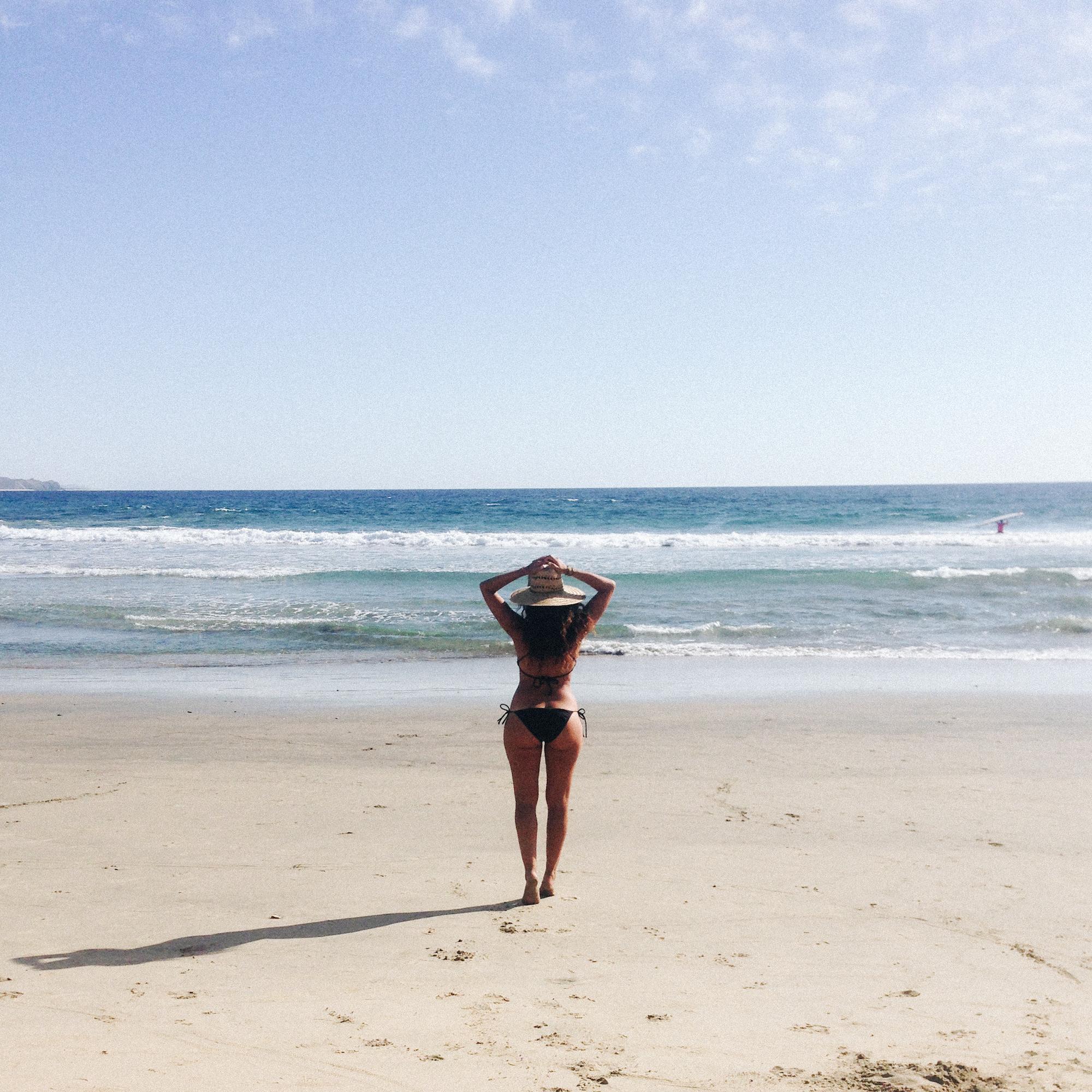 South Pacific Beaches: Surfing Playa Los Cerritos